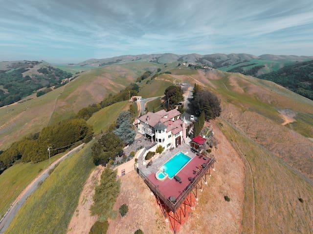 360  Views / 1200 sqft private bungalow