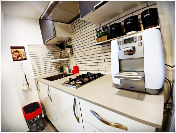 *Cozy apt.* renovate apartment