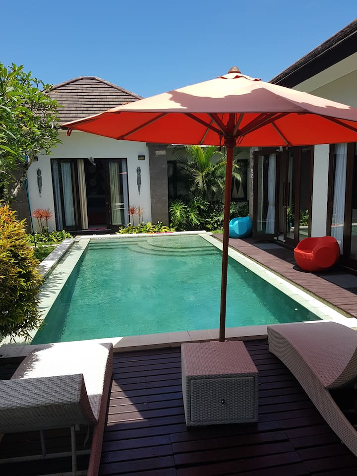 The private pool and in the background 1 unit of the 1 Bedroom Villas. On the right is the large pantry.