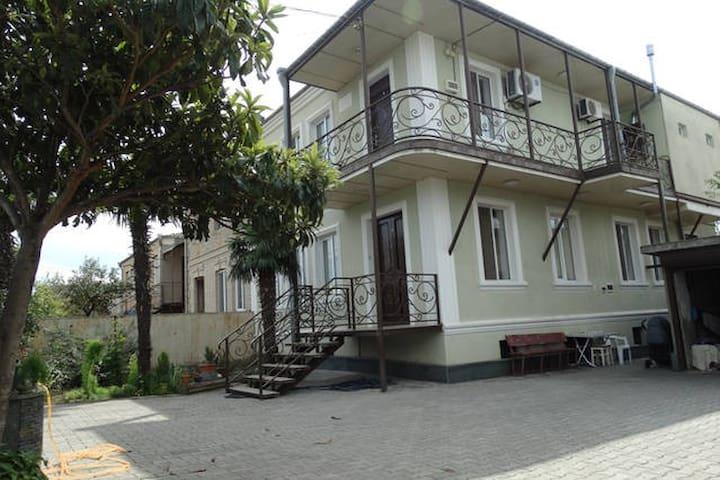 """Guest house """"Sano"""" - Koutaïssi - Maison"""