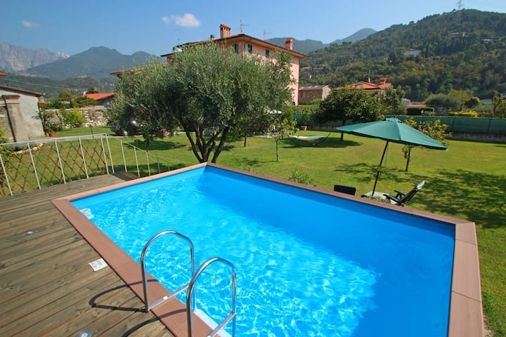 House with Private Garden, Pool, WIFI, 6 People, near Sea and Forte dei Marmi