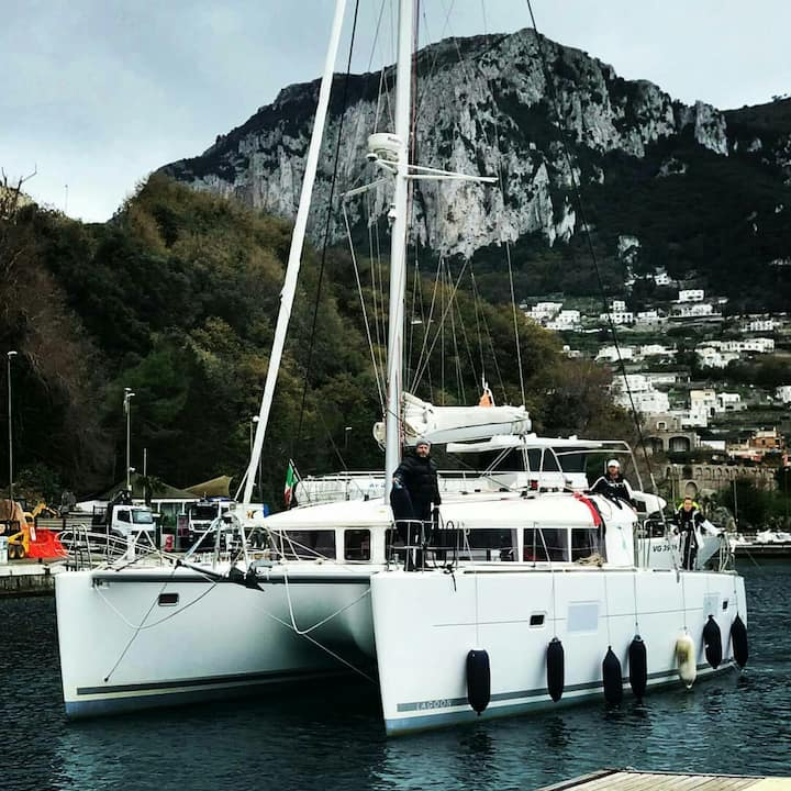 Catamaran 40 at Limassol Marina cabine to rent