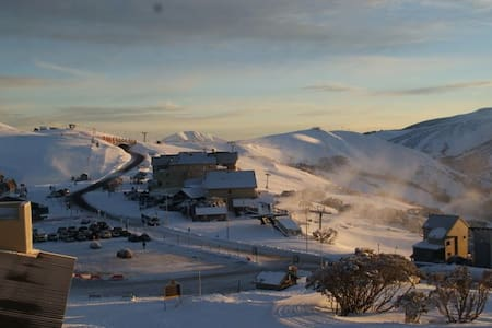 'Mink', Summertime or Snowtime Alpine Retreat - Hotham Heights - House