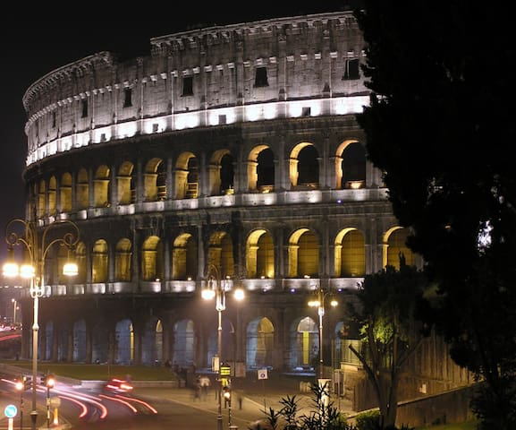 Roma Colosseo Apartment in the heart of Rome *****