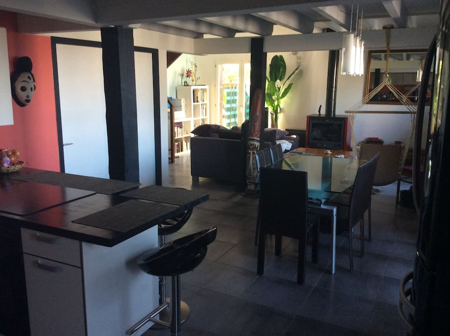 Maison atypique fa on loft lofts for rent in seynod for Maison loft atypique