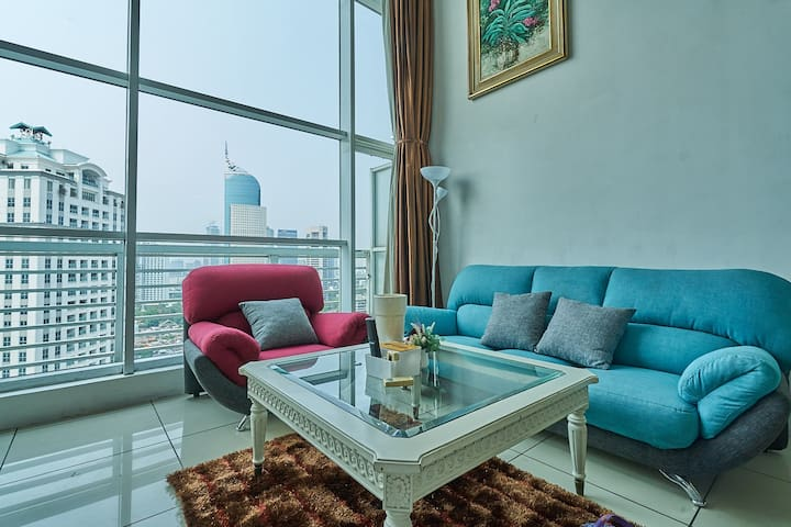 Vibrant Loft in Prime Business Area of Sudirman