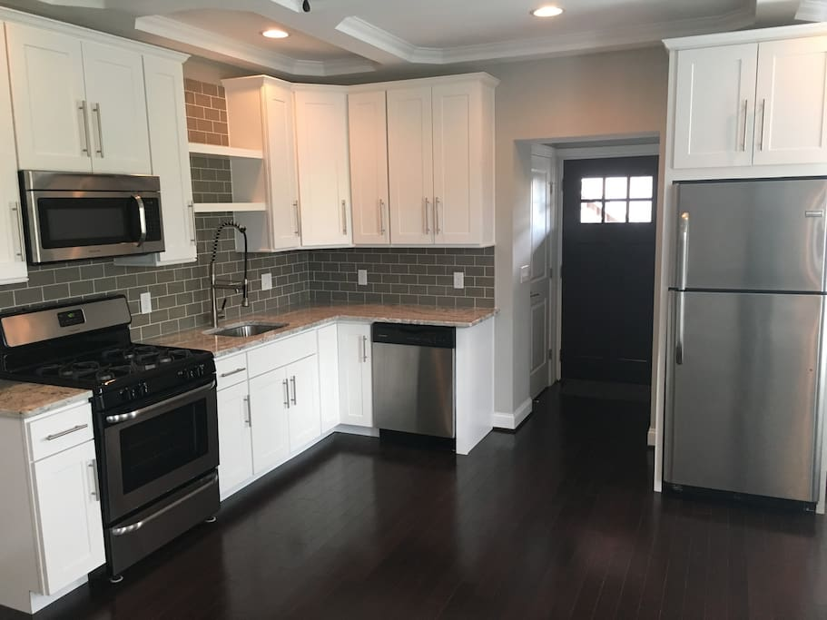amazing large 2 bedroom apartment flats for rent in baltimore