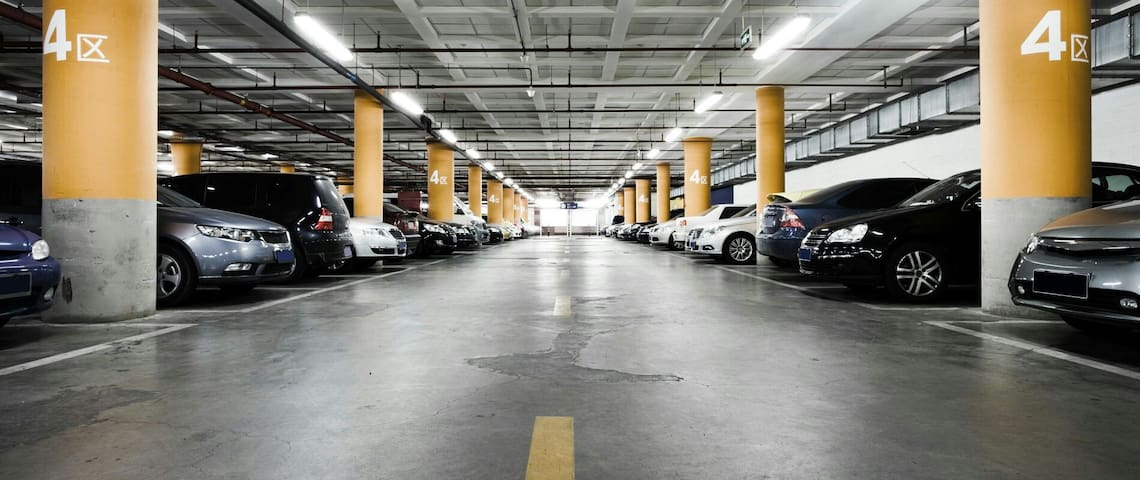 Parking in the center from 15 euro! - Praha - Jiné