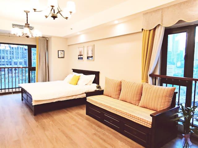 1米8大床和1米,大沙发床,保障您和您家人在旅行中不必分开,彼此照顾。