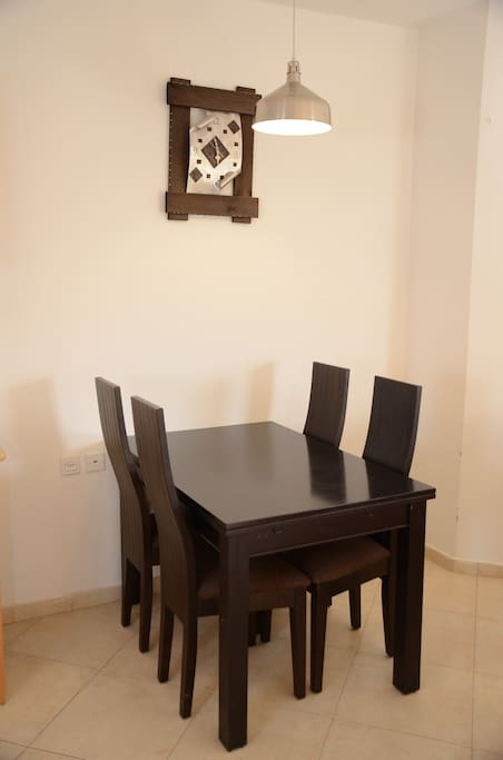 Dining table,opens to seat 6
