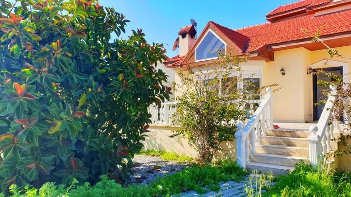 4 спальная вилла на Северном Кипре