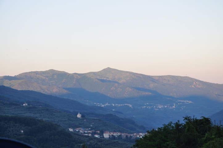 Huisje met prachtig uitzicht - Conio - Huis