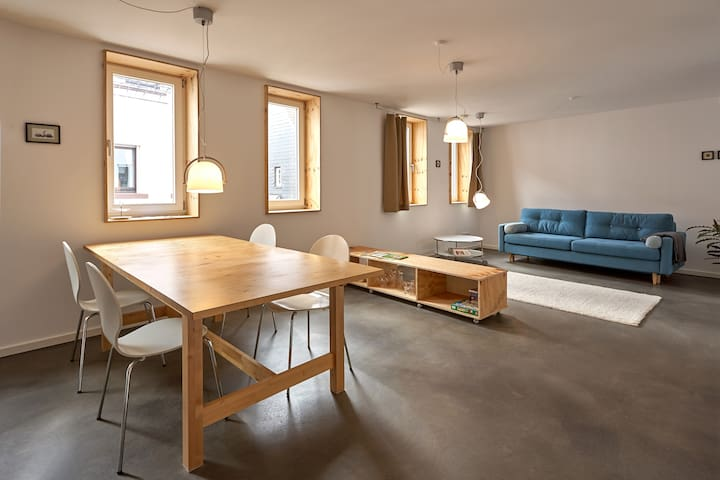 Helle, freundliche Wohnung, Neubau 65qm, zentral
