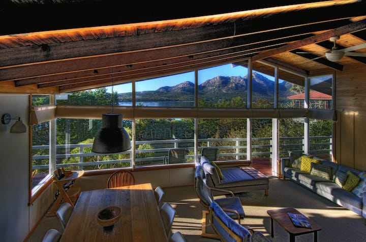 Freycinet Beachfront Retreat