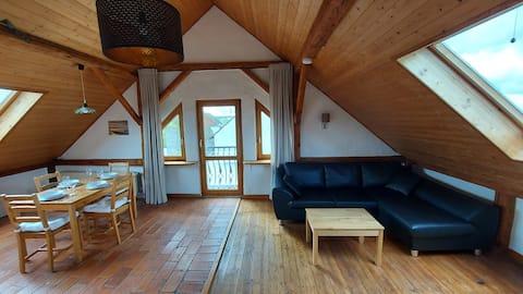"""Helle Dachgeschosswohnung im """"Blauen Ländchen"""""""