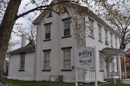 The White House Inn, The Smith Suite