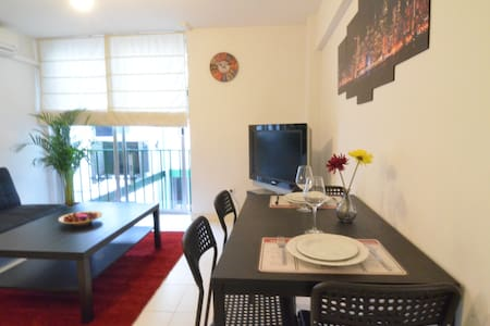 Cozybright central flat in Gran Via - Madrid - Lakás
