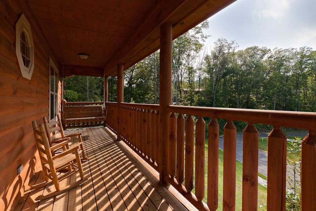 The front porch is perfect for taking in the fresh mountain air!