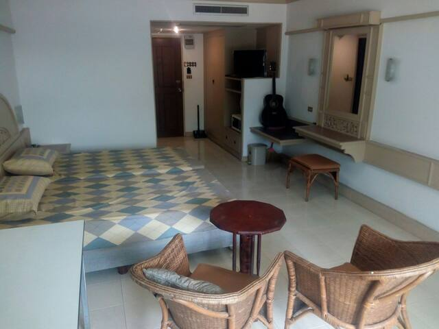 Cosy and cheap studio in Chiang Mai