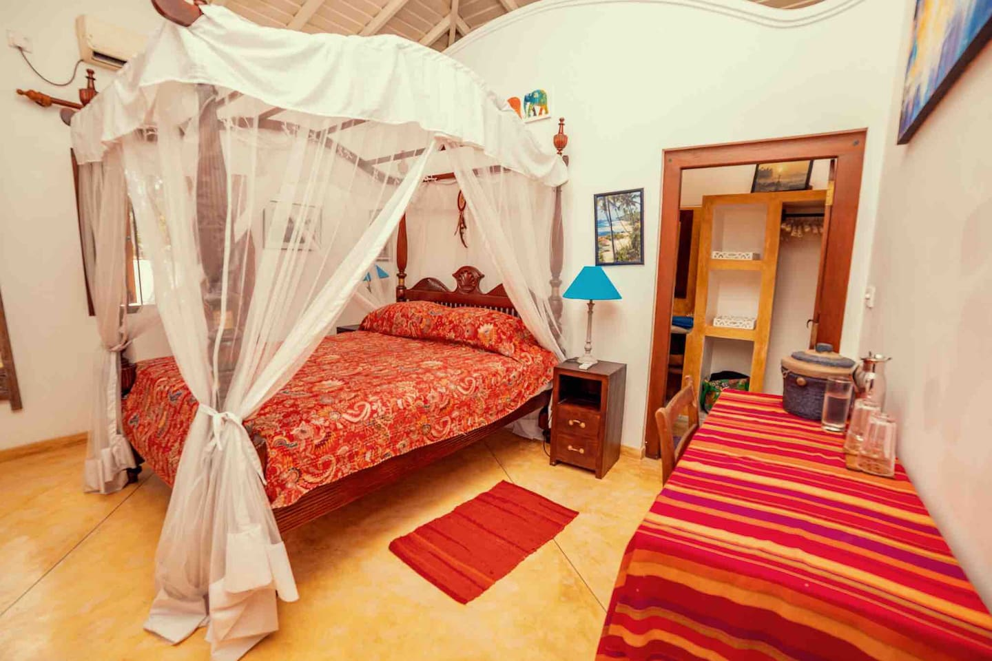 The Cinnamon double bedroom comprises a large king size double bed, delicious high quality linen, mattress topper and feather pillows for sumptuous comfort. There is also a hairdryer and bathroom amenities, beach bag and towels.