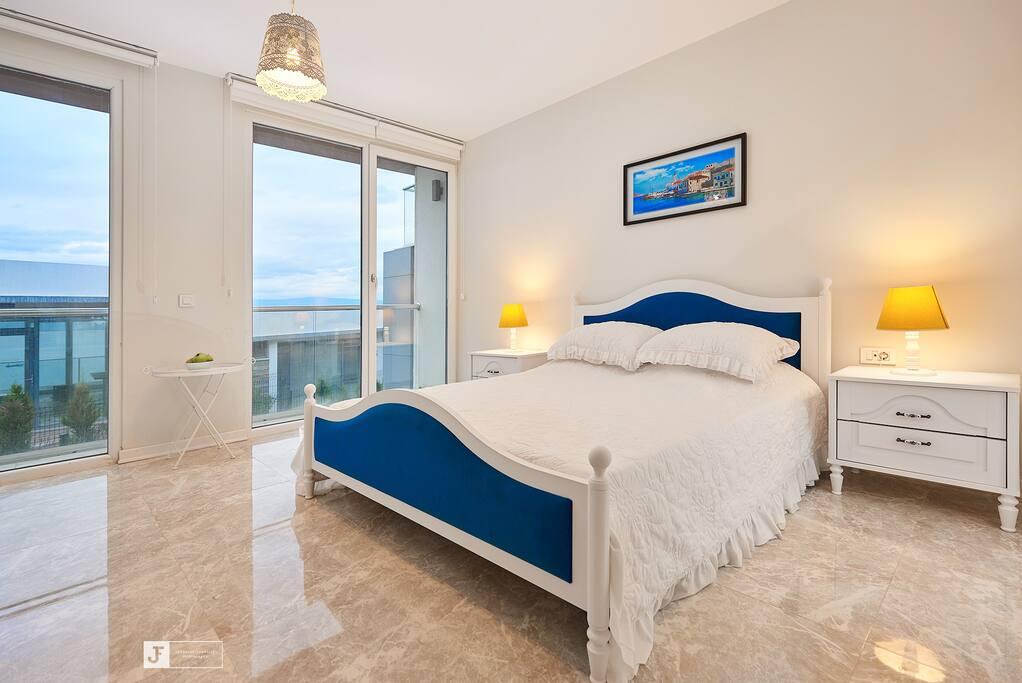 Master Bedroom - Главная спальня
