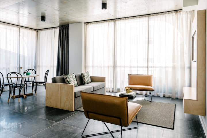 Ultimo Penthouse Suite with Balcony