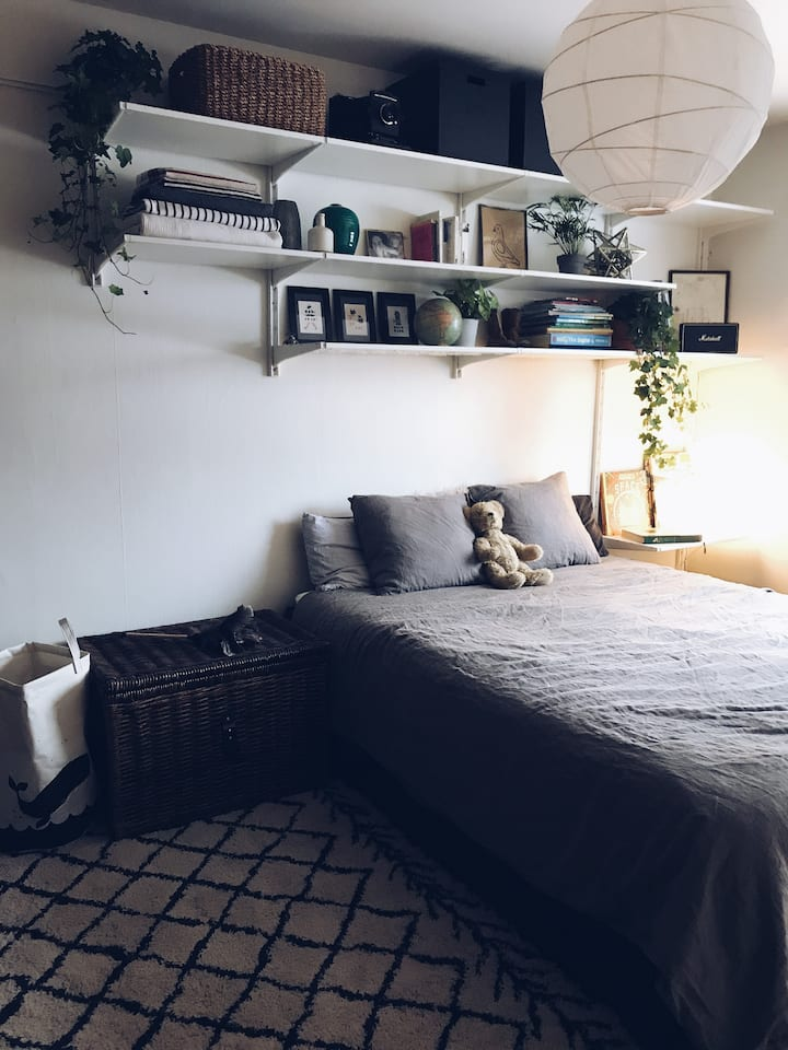 Super comfy room close to the heart of Stockholm