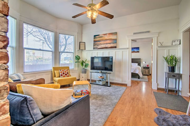 NEW! Stylish Downtown Condo, Walk to Shops & Cafe!