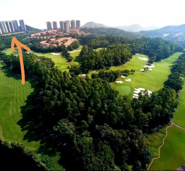 离举世闻名的长江高尔夫球场直线距离只有200米