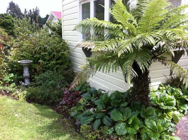 Restful Mountain Retreat - 12 min drive to Ohakune