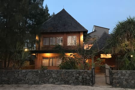 Semat Beach House - Jepara