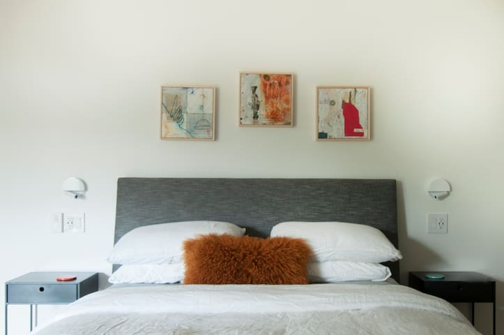 Designer Studio 32-Mill Valley-15 Minutes to SF