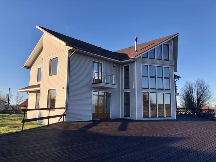 Дом с шикарным видом в Карелии