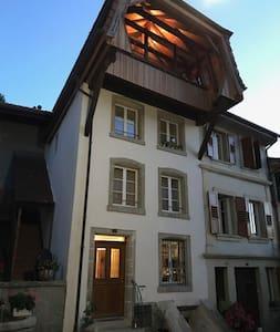 Maison de charme, au calme plein centre Estavayer