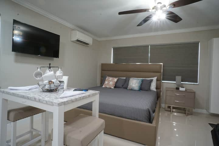 NEW Spacious Modern Vacation Studio on the Beach 3