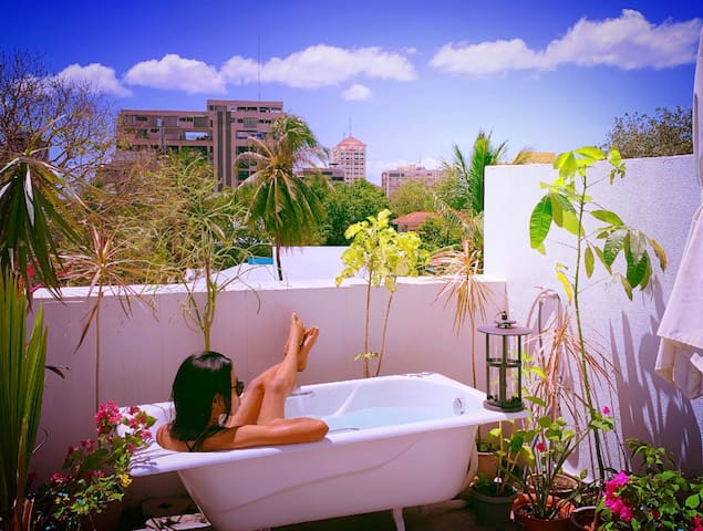 Your Sanctuary in CityCenter, Netflix, Outdoor Tub