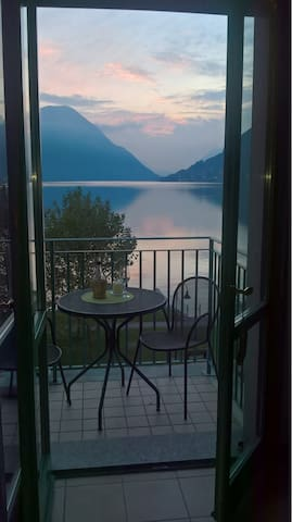 Apartment at Lugano Lake Front Promenade - Porlezza - Apartament