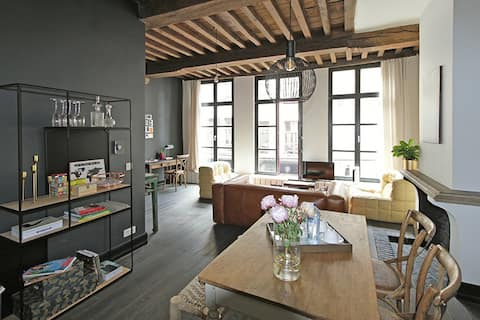 Heart of Antwerp, stylish and cozy
