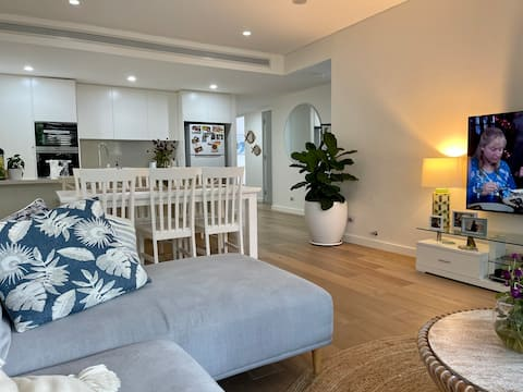 Gorgeous 3 BDR apartment - Cronulla close to beach