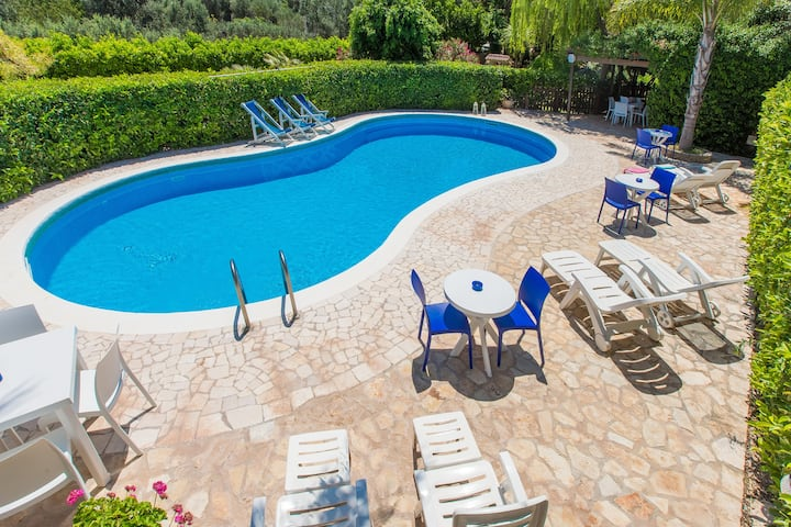 Villa Quercia in residence with pool in Apulia