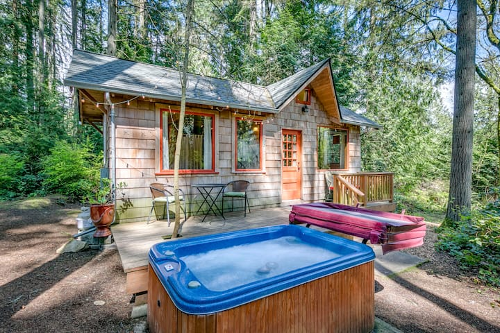 Cabin Fever: Private Cabin in the Woods/Staycation