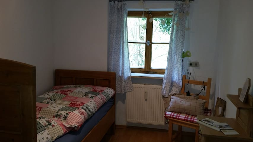 Private Single-room Bavaria - Rottenbuch - Bed & Breakfast
