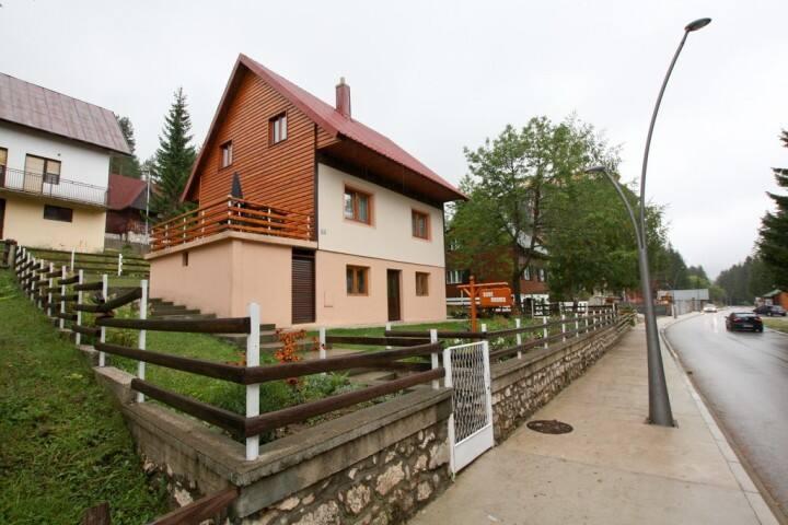 Cozy room in Zabljak with green courtyard - Žabljak - Byt