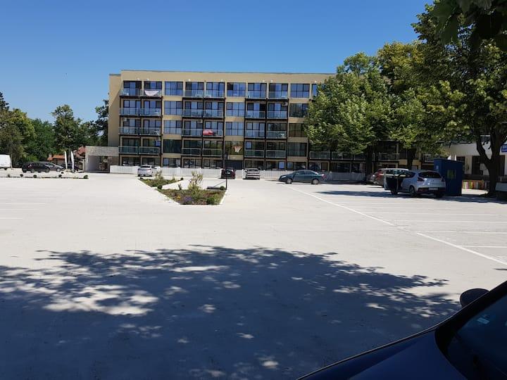 Cazare apartament Statiune Saturn la 200m de plaja