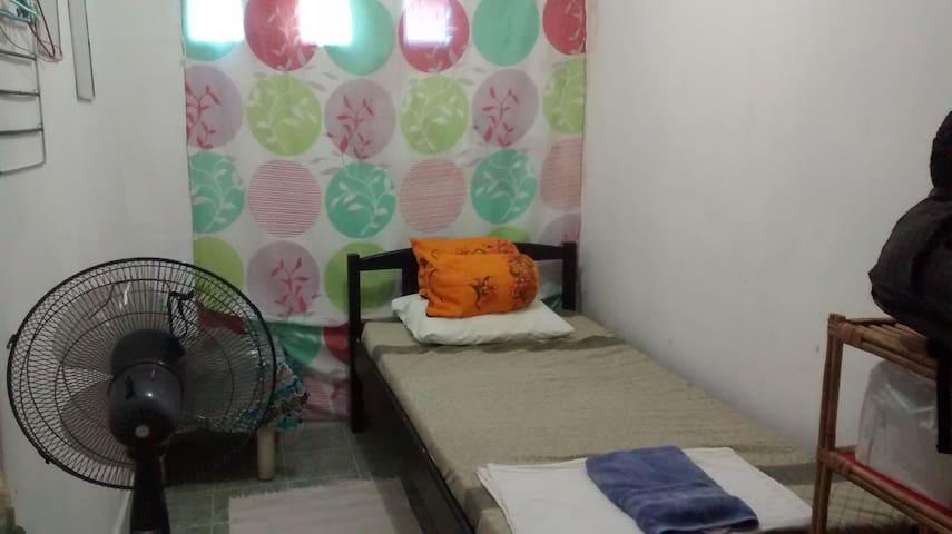 Budget small room, a/cNOW AVAILABLE - Díli - Ev
