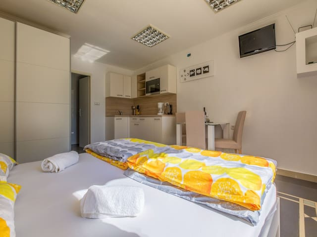 Studio Apartment, seaside in Jadranovo (Crikvenica), Terrace