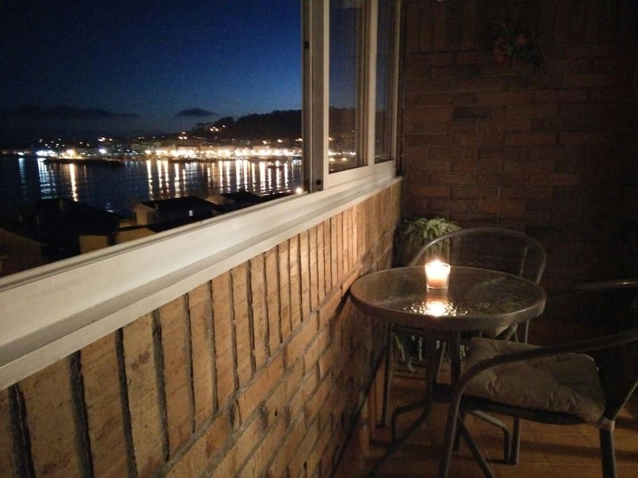 Vista de la terraza de noche