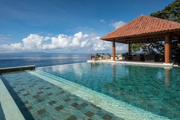 Stunning Luxury Room in Oceanfront Villa (BR-2)