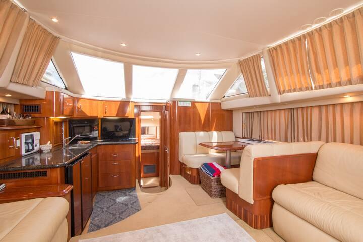 Beach Yacht Paradise!