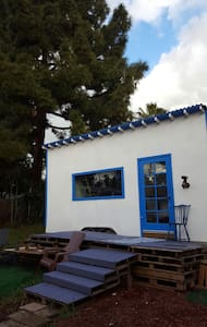 Tiny House for a Tiny Budget - Fremont - Dom